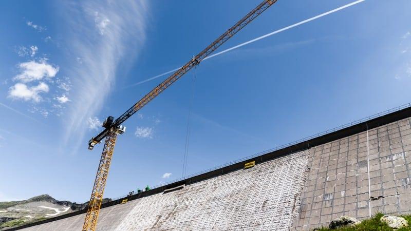 Arbeiten an der Staumauer Mühldorfer SeeArbeiten an der Staumauer Mühldorfer See © Lukas Dürnegger