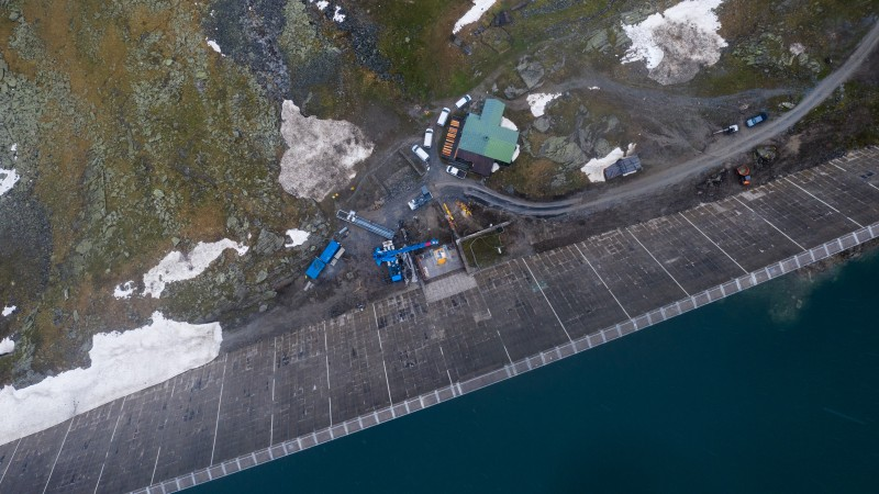 Arbeiten an der Staumauer Mühldorfer See © Lukas Dürnegger